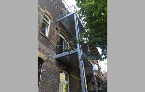 Erneuerung denkmalgeschützter Balkon, Köln Ehrenfeld